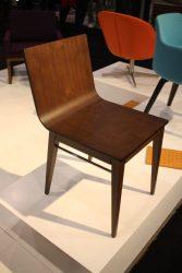 ghế bằng gỗ óc chó