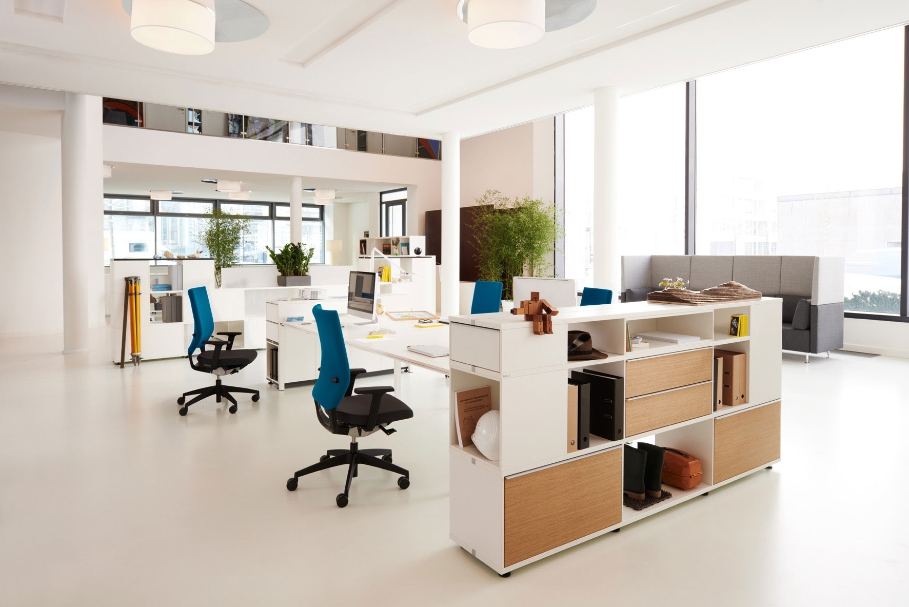 thiết kế văn phòng phong cách hiện đại