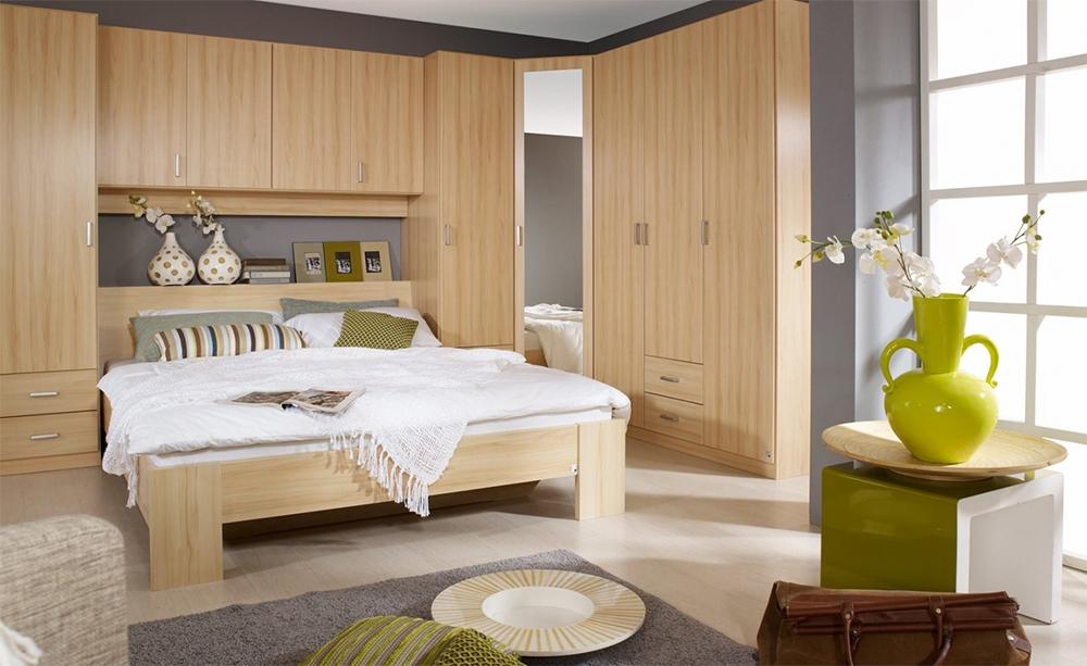 Mùi hương nhẹ nhàng đỡ thu hút sâu bọ cắn phá cây xanh trong phòng ngủ