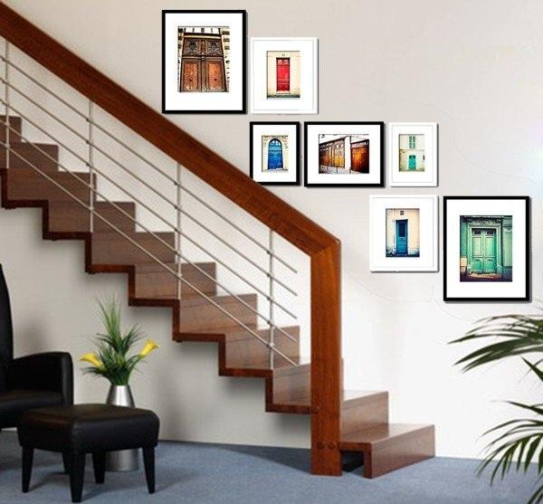 Tranh treo cầu thang đẹp đa dạng chủ đề