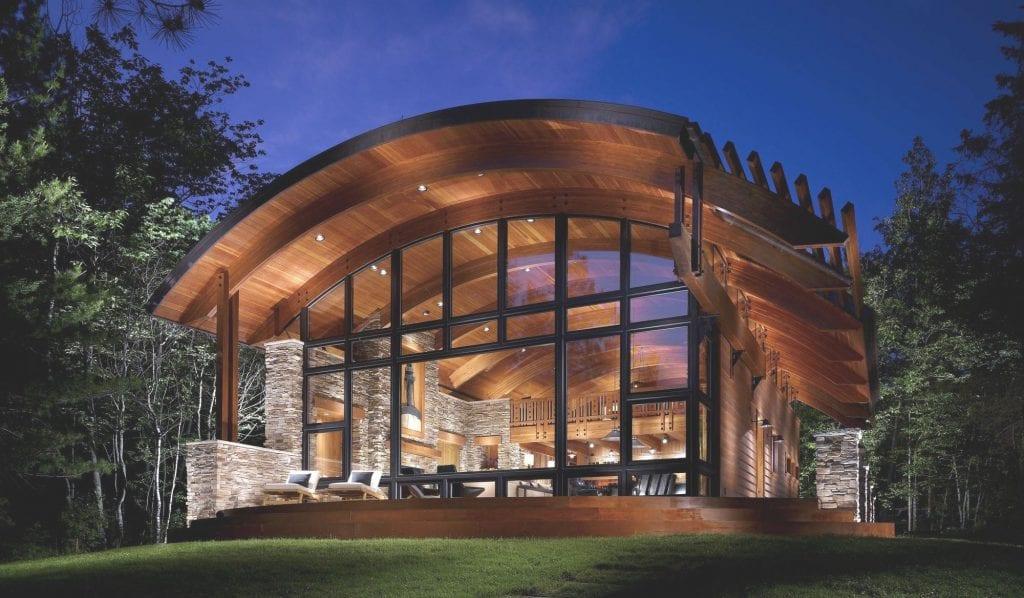 Ấn tượng nhà gỗ kết hợp vật liệu kính