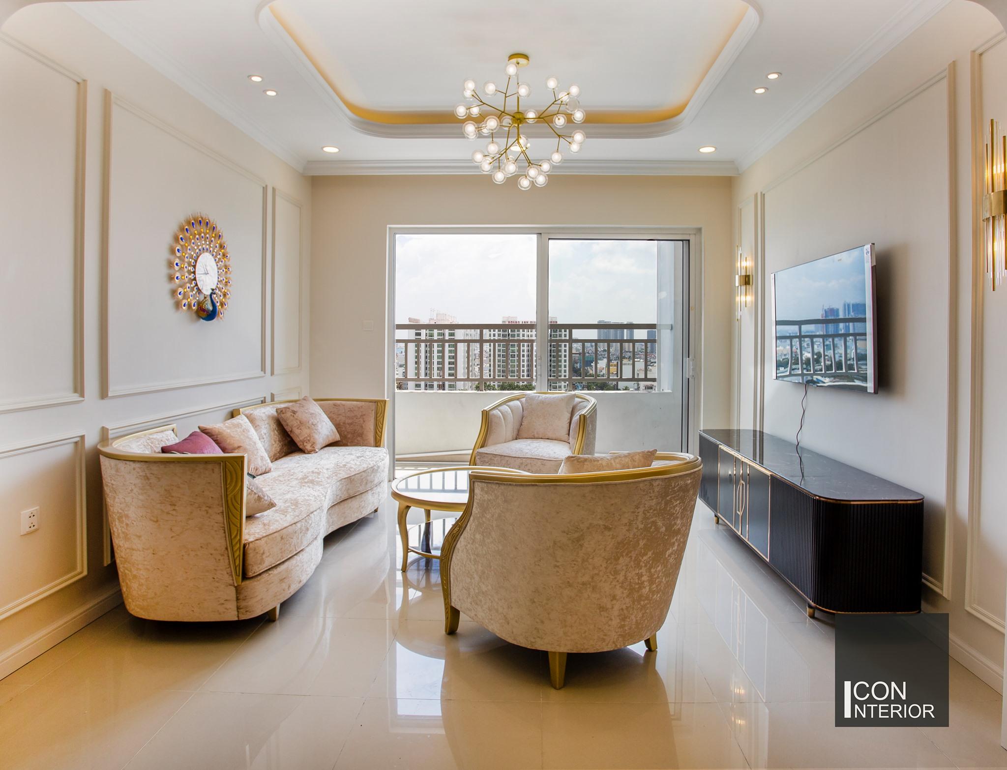 Phòng khách căn hộ Sunrise City 147m2 chị Huệ
