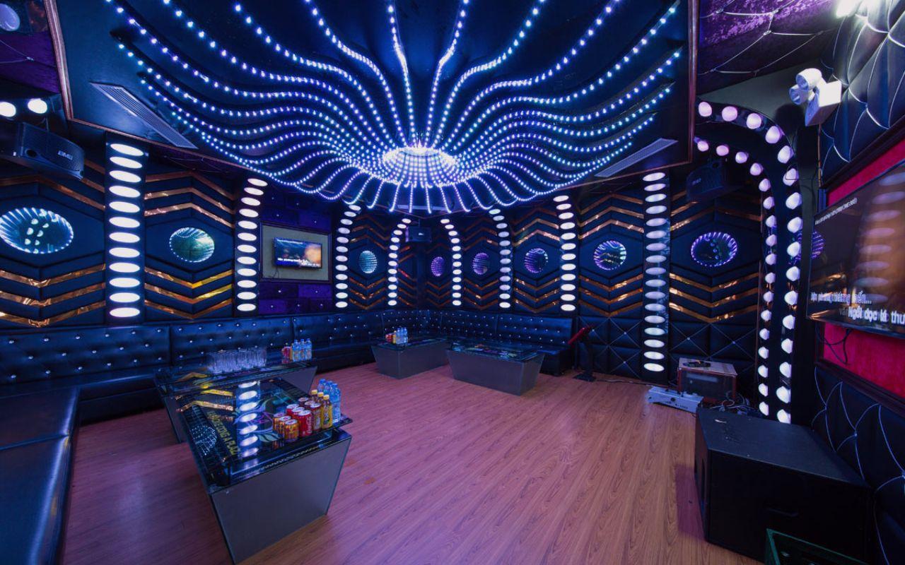 trang trí nội thất phòng karaoke