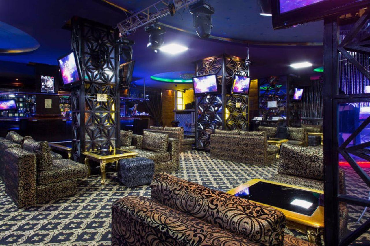 mẫu phòng karaoke neoclassic