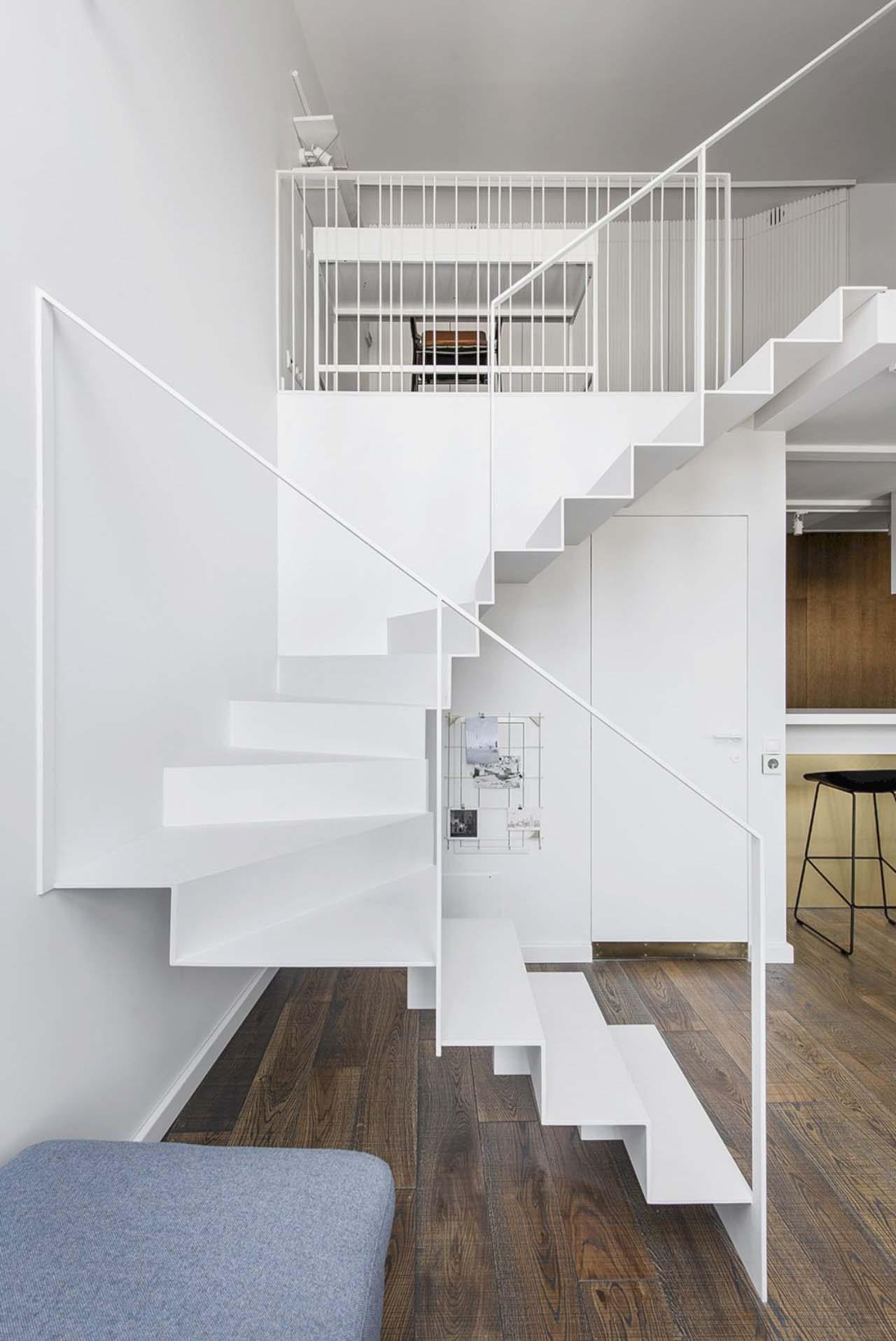 cầu thang căn hộ gác lửng