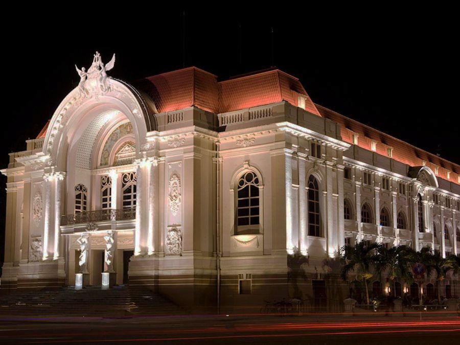 nhà hát lớn thành phố đậm chất Tây